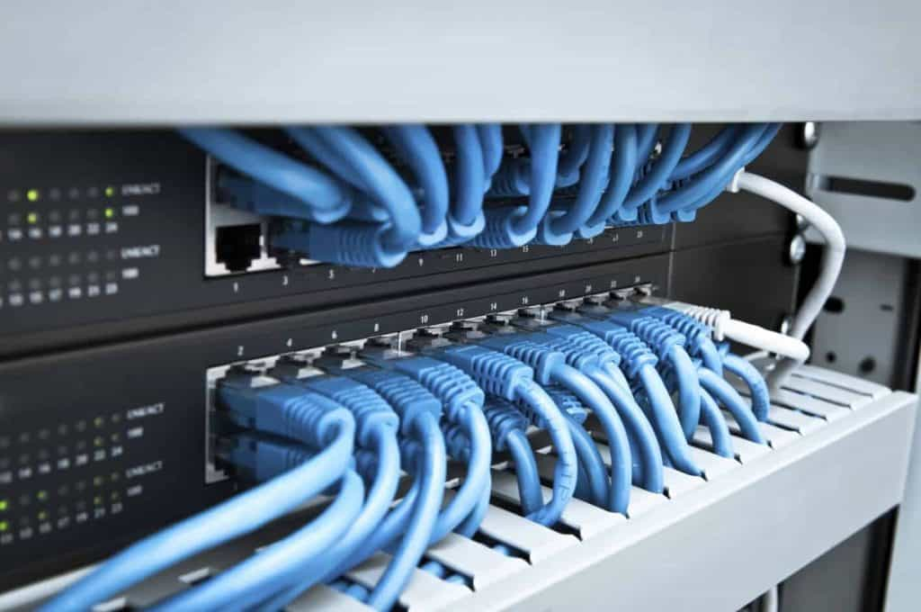 connecting servers with cables